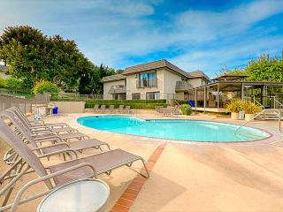 Solana Beach condo just steps to the pool and ocean