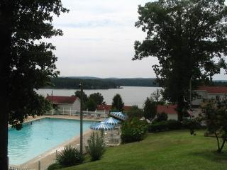 1 Bedroom on Lake Hamilton off Central Avenue, Hot Springs