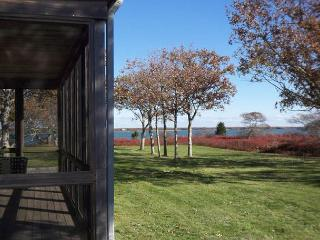 WILGG - Quansoo (with private beach key), Central Air, Waterview, Waterfront, Chilmark