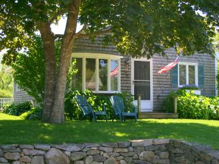 GEDNL - In-Town, Room A/C, Edgartown