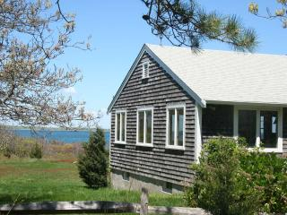 SUNDB - Makonikey, Waterfront, Beachfront, Waterview, West Tisbury