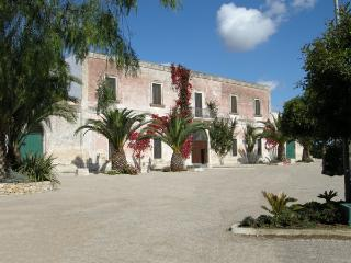 Puglia to discover: room in charming house, Salice Salentino