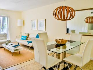 Key Biscayne 2br/2ba Next To The Beach