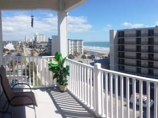 Ocean Breeze Luxury Villas Unit 4C - North Myrtle Beach vacation rentals