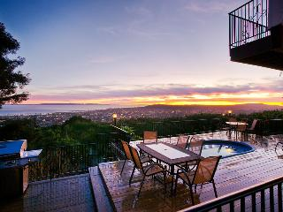 Large Riviera home with A/C & ocean view deck with hot tub - Sunset Heights, Santa Barbara