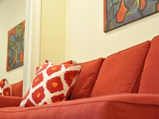 English Basement B&B-UST/14ST/Logan, Washington DC