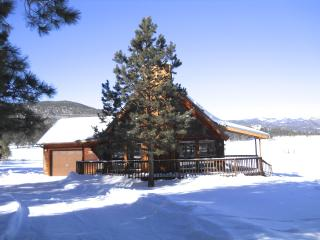 Mountain View Cabin: Resort Home in the Rockies, Angel Fire