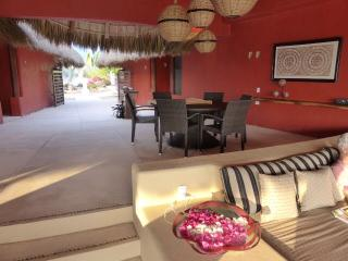 CASA CHULA-YOUR VILLA ON THE OCEAN-LOW WEEKLY RATE, Puerto Escondido