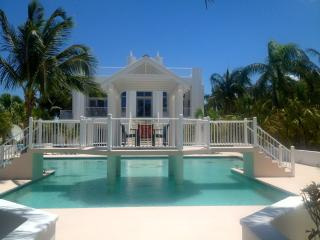 'Simply the Best' on the beach!, North Caicos