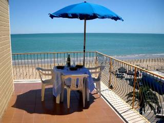 A room with a view of the beach of Vasto