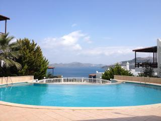 Charming house close to the beach  with great seaviews, Bodrum City