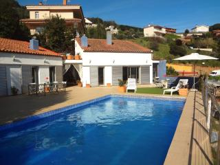 Traditional 4-bedroom Catalan villa in Sant Fost only 15km from the beach, Sant Fost de Campsentelles