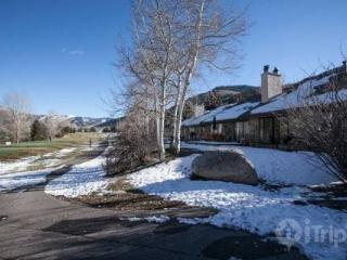 Easy Location for Vail or Beaver Creek Mountain Adventure~ On EagelVail Golf Course~ Mnt Family Fun!, Avon