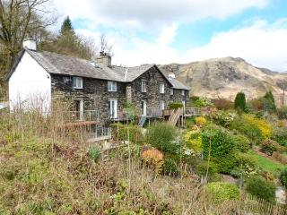 TANDERRA, character cottage, close to amenities, open fire, off road parking, balcony, in Consiton, Ref 25554, Coniston