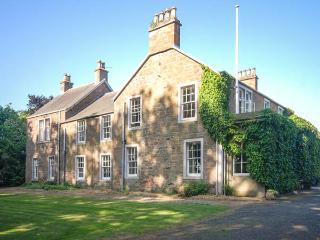 ROSEMOUNT HOUSE, outdoor heated pool, pool table, en-suites, near golf, luxury country house near Blairgowrie, Ref. 906447
