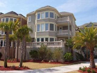 Magnificent 6BR/4BA + 2 Half Bath, 2nd Row Home, with Pool and Putting Green, Hilton Head