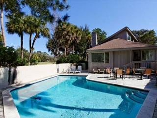 Spacious 5BR/5.5BA Home Only 2 Blocks from Beach Has Private Pool, Hilton Head