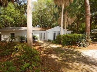 3BR/2BA South Forest Beach Home Perfect Beach Escape w/ Everything you Want, Hilton Head