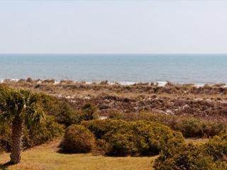 5BR/4BA Epitome of Bright and Airy Beach Home with Panoramic Oceanfront View, Hilton Head