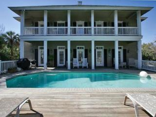 Spectacular Charlestonian 6BR/4.5BA 3rd Row Home is Beautiful in All Aspects, Hilton Head