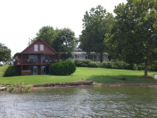 Hickory House on Beaver Lake, Lowell