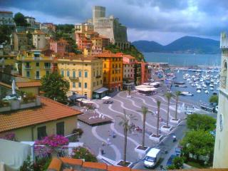 50 meter in front of the beach, Lerici