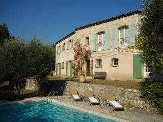 Provence villa set in an olive orchard, Chateauneuf de Grasse