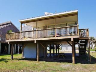 Desirable 2nd row beach home steps from the sand!, Galveston