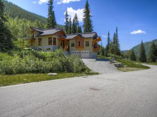 The Perferct Retreat Mountain Property..... All Year Around, Sun Peaks