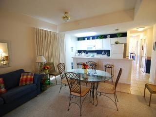 Spacious, ground level condo! Located by the pool!!!, Fort Morgan