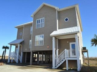 Spacious House Complete with a Great View, Perfect for a Family Getaway!, Fort Morgan