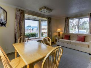 Sandcastle: Sand Dollar Suite (#601), Cannon Beach