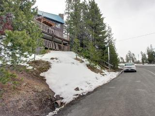 Two bedroom duplex with forest views, close ski access!, Government Camp