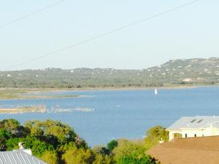 NEW HOME - AWESOME VIEWS - Summer weekday deals, Canyon Lake