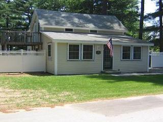 Lake Winnisquam Area house with Boat Dock Available (TUR12Ba) - Lakes Region vacation rentals