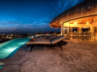 Casa Galeana - Stunning Views of City Skyline, Puerto Vallarta