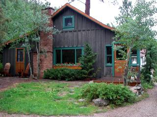 Classic Colorado Cabin on the Big Thompson River, Estes Park