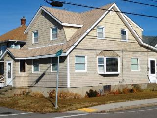 House with  Bay Views & Spectacular Boston Sunsets, Hull
