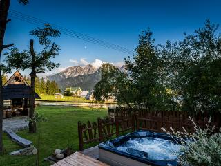 Luxury Goralski SPA cottage with jacuzzi, sauna, Zakopane