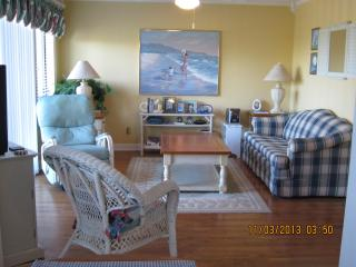 Charming Oceanview Condo  Free Umbrella/Chair Rnl, Myrtle Beach
