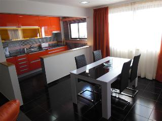 2 BEDROOM APARTMENT IN THE HEART OF ALBUFEIRA, 5-MINUTE WALK FROM THE BEACH REF. APORG138756, Albufeira
