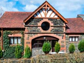 THE STABLE NEST ground floor apartment, close to lake and amenities in Windermere Ref 905957 - Bowness-on-Windermere vacation rentals
