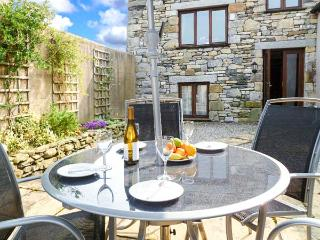 THE BYRE romantic retreat, lovely countryside near Cartmel Ref 905180 - Cumbria vacation rentals