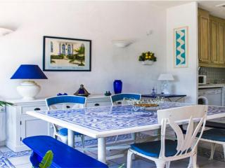 Villa Azuli, Amazing 4 Bedroom in Cannes - 5 Minutes to Town Center