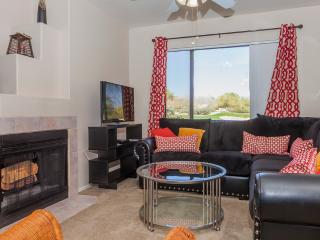 Luxury apartment right on the golf course, Scottsdale
