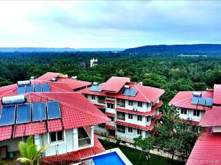 Fully Furnished European Apt with Private Sundeck, Siolim