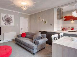 Grassmarket Castle View Apartment - Edinburgh vacation rentals