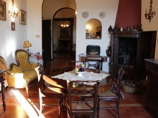 Charme and relax on the hills close to Senigallia, Ostra Vetere