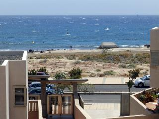Duplex with wifi front cabezo beach El Medano