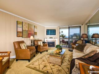 Villa del Mar~Straight-on Ocean Views from Inside!, Oceanside